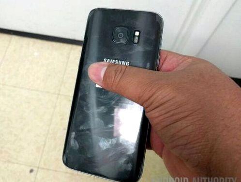 Galaxy S7 filmed on video