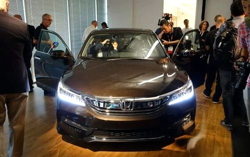 Honda introduced the first car with Android Auto - Accord 2016