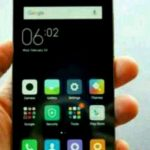 Compact flagship Xiaomi appeared in the photo