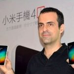 Xiaomi against a microSD slot in the flagship